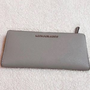Michael Kors Slim Wallet